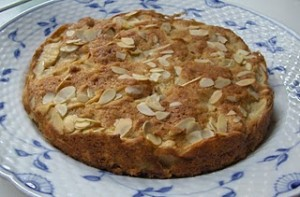 Apple Marcarone Cake
